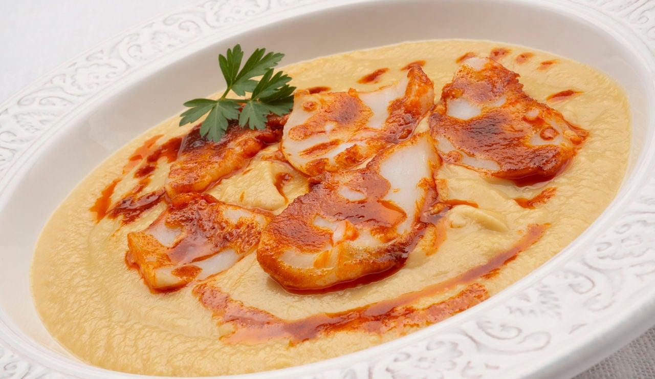 """Karlos Arguiñano: crema de garbanzos con bacalao para """"disfrutar cocinando y comiendo"""""""