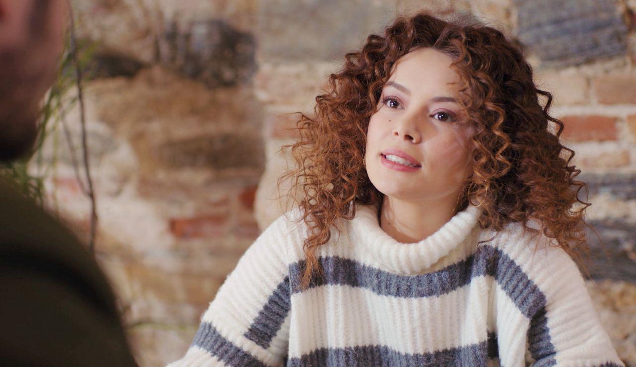 Avance de 'Mujer': Sirin se lanza a por Emre, su nuevo objetivo romántico
