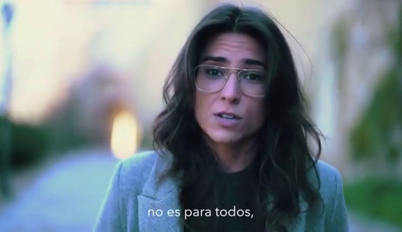 """Tatiana Ballesteros, la autora de 'Hola 2021' que saca los colores a los políticos: """"España necesita un capitán, pero no está entre vosotros"""""""