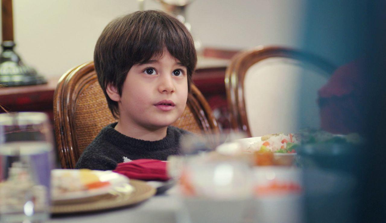 Nezir cumple el deseo de Doruk: una inesperada invitada a la cena