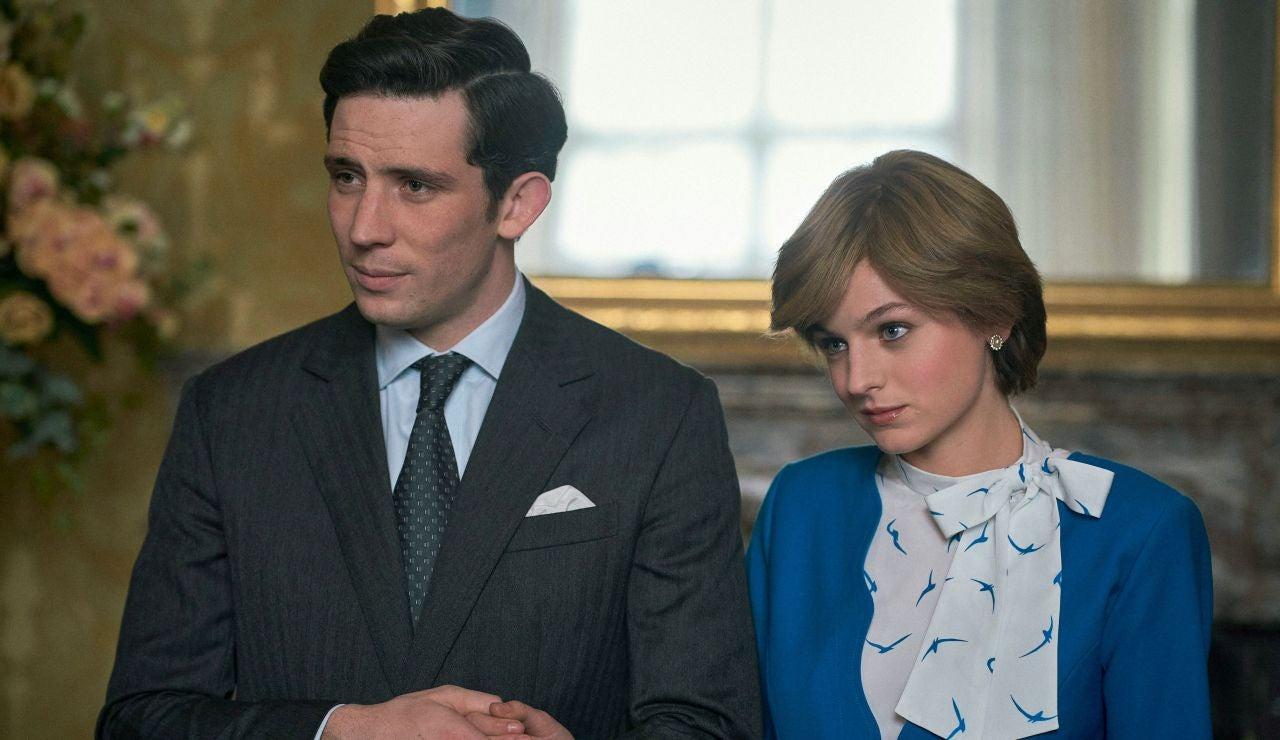 Josh O'Connor y Emma Corrin en 'The Crown'