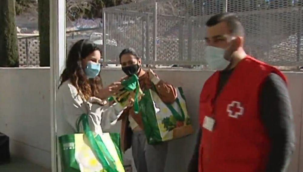 'Colas del hambre' en Alicante.