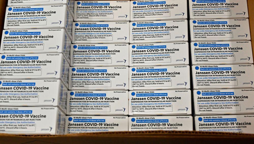 Aumenta la venta de resultados negativos de pruebas del coronavirus y certificados de vacunas falsos en Internet por más de 500 dólares