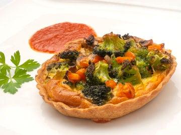 """La """"receta socorrida"""" de Karlos Arguiñano: quiché de brócoli y champiñones"""