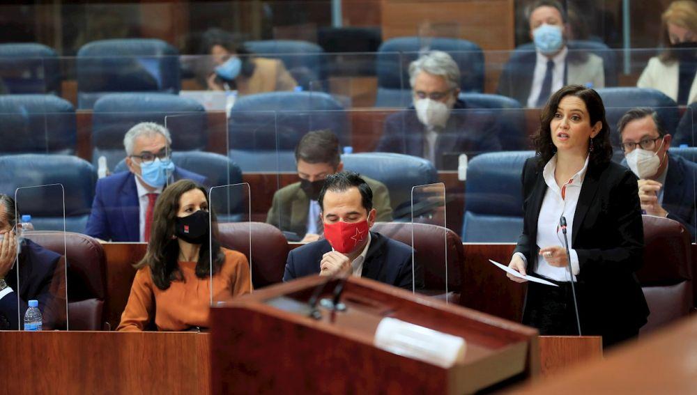 Ayuso durante su intervención en la Asamblea de Madrid