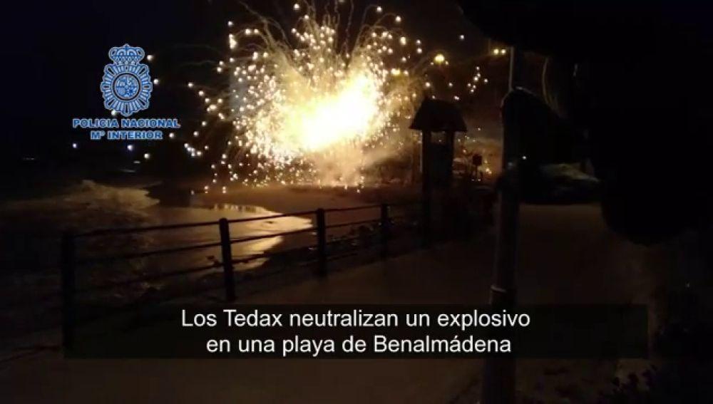 Los Tedax detonan un artefacto que se encontró un vecino en la playa de Benalmádena