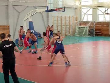Regball, el deporte ruso que mezcla lucha grecorromana con baloncesto y que practica hasta Khabib Nurmagomédov