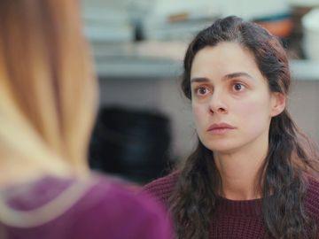Ceyda rompe su amistad con Bahar por culpa de Sirin