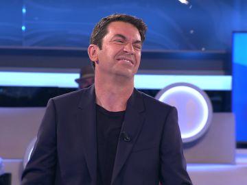 La reacción de Arturo Valls al desafortunado chiste de un concursante de '¡Ahora caigo!'