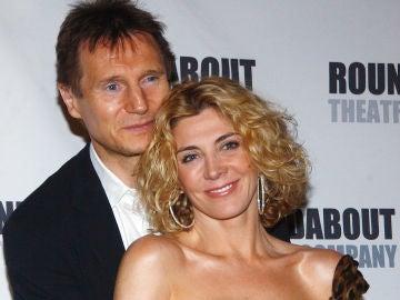 Liam Neeson con su mujer Natasha Richardson