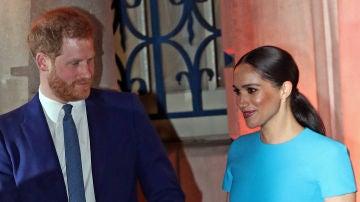 El príncipe Harry y su mujer Meghan Markle