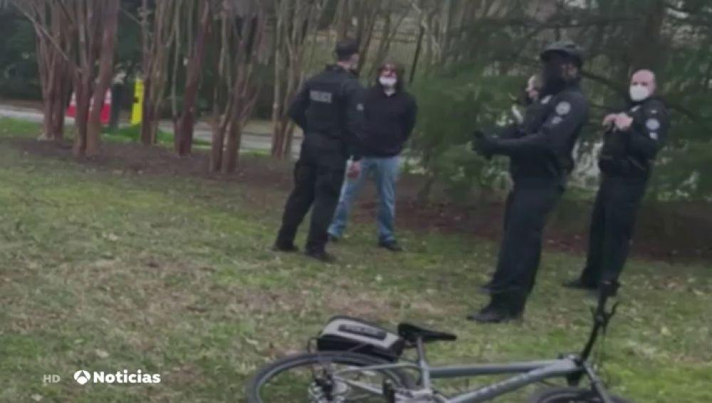 Detenido un hombre armado junto a la residencia de la vicepresidenta Kamala Harris