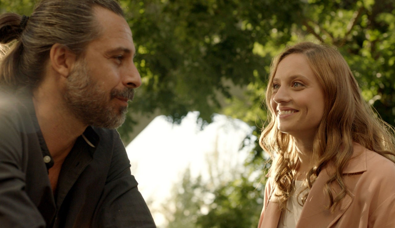 Lucas y Sara (Hugo Silva y Michelle Jenner), 10 años después en 'Los hombres de Paco'