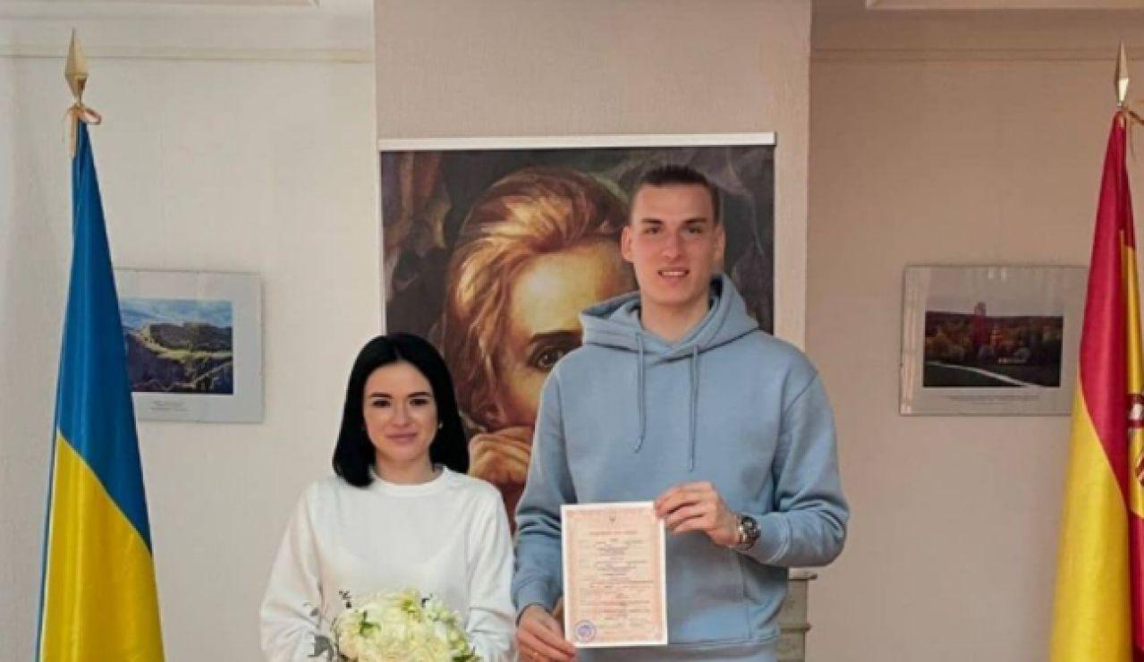 Andriy Lunin se casa con su novia en Madrid en chándal y zapatillas deportivas