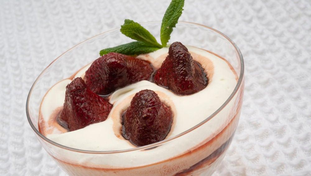 Karlos Arguiñano: receta de fresas confitadas con nata para celebrar el Día del Padre
