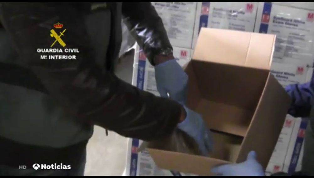 Detenidas 4 personas por estafar casi 3 millones de euros al vender guantes sanitarios y enviar arena