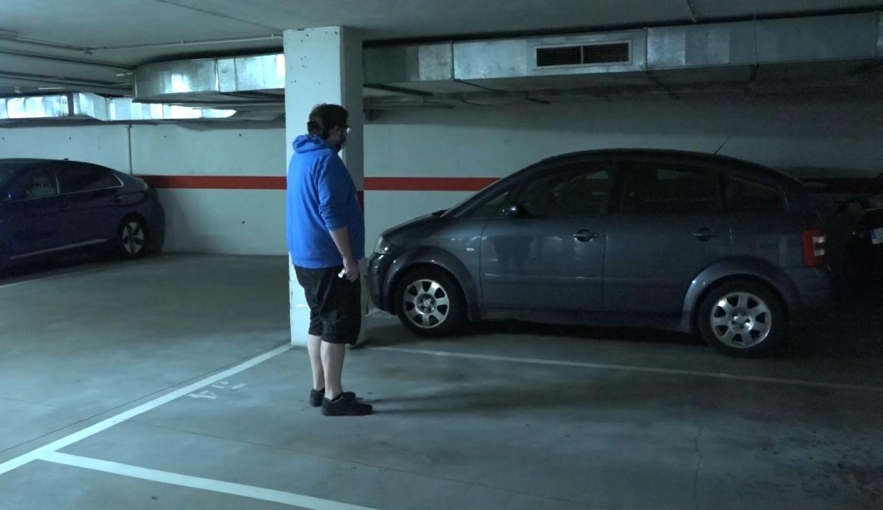 Vecino invade plaza de garaje