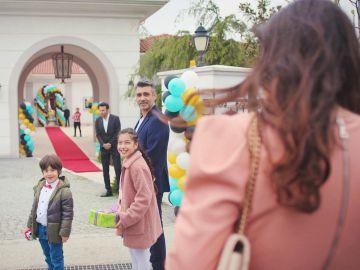 El espectacular cambio de Bahar para acudir a la fiesta de Piril
