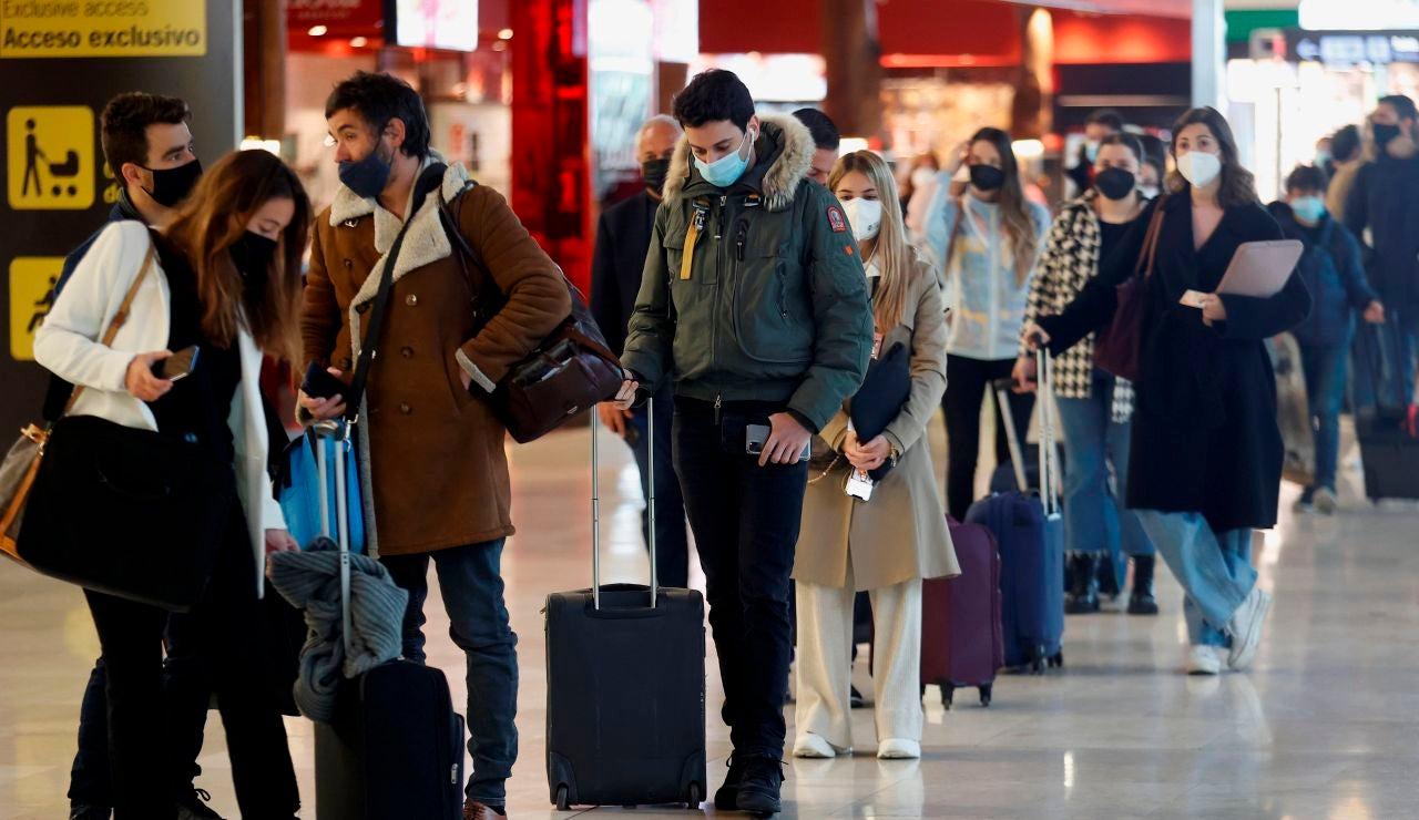 Colas en el aeropuerto de Madrid