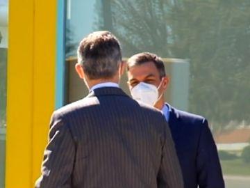 Pedro Sánchez y Felipe VI coinciden en la fábrica Renault de Palencia donde se ha presentado el plan industrial 2021-2024