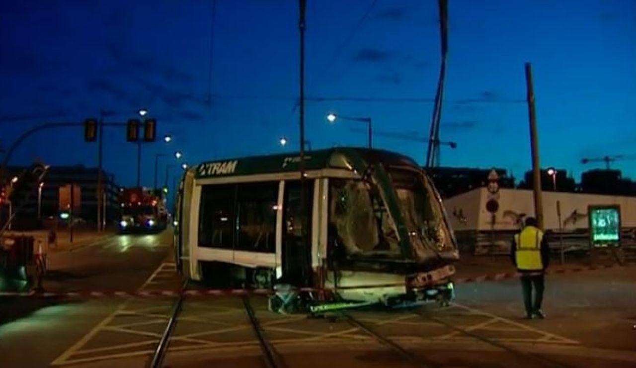 Barcelona: 3 heridos tras un choque entre un camión y un tranvía en Sant Adrià del Besòs