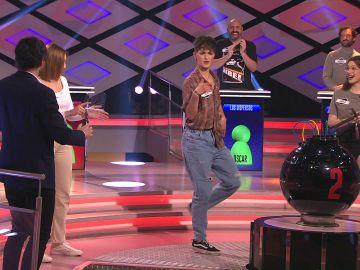 ¡Qué ritmazo! Julia, de 'Las ácratas', deja boquiabiertos a todos en '¡Boom!' con su baile urbano
