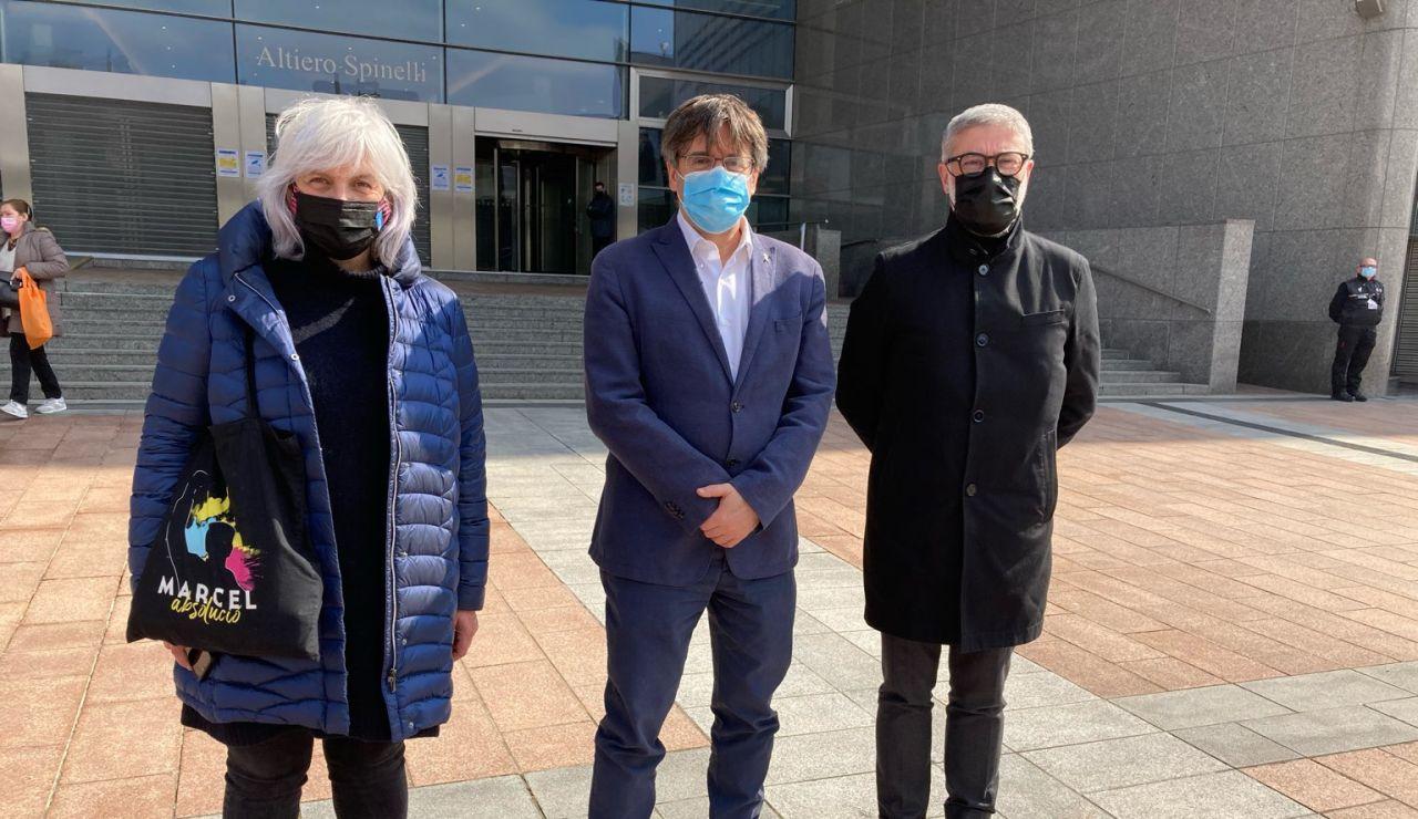 La CUP se reúne con Carles Puigdemont en Bruselas tras llegar a un acuerdo con ERC para la investidura