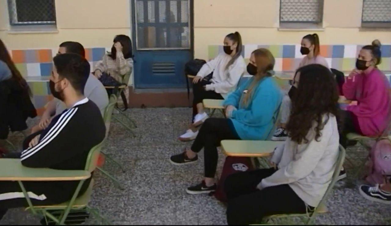 Clases al aire libre en Cádiz para evitar contagios