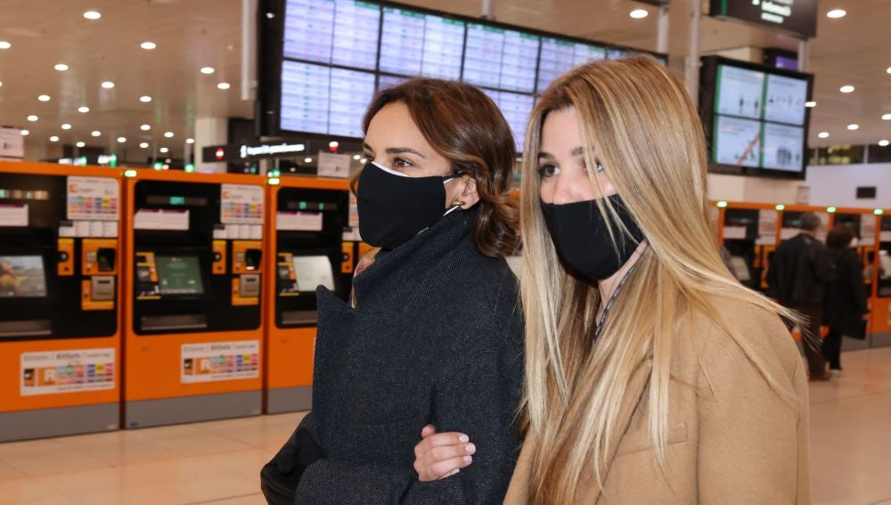 Natalia Rodríguez junto a Chenoa