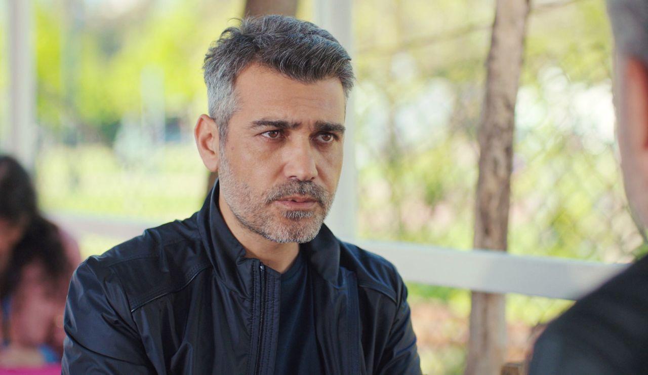 Sarp, dispuesto a desafiar a Bahar y a Arif viviendo en su mismo edificio