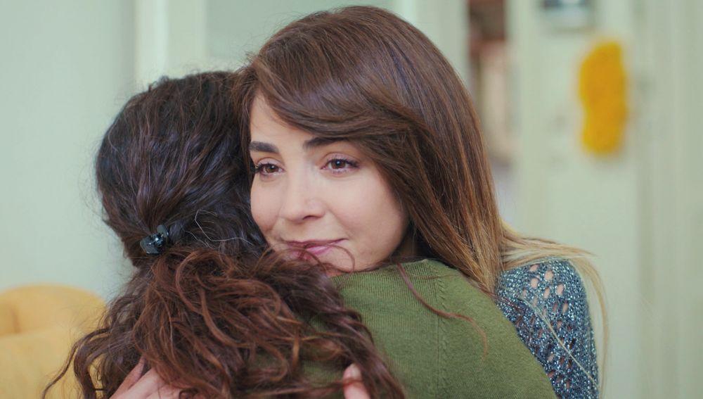 Ceyda recupera la amistad de Bahar en sus momentos más difíciles