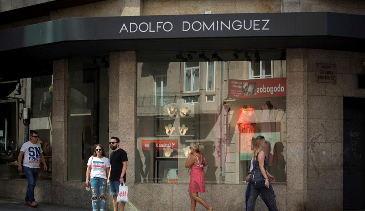 Adolfo Domínguez anuncia un ERE para reducir un 30% su plantilla en España, unos 300 puestos trabajadores