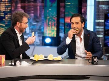 David Bustamante muestra a Pablo Motos su gran debilidad: comer limón con cáscara
