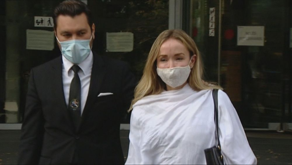 Angela Dobrowolski recibe una paliza en la cárcel