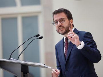 El candidato de ERC a la presidencia de la Generalitat, Pere Aragonès, en el Parlament de Catalunya