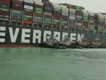 Barco encallado canal Suez