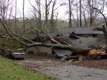 Al menos 5 muertos y decenas de heridos tras el paso de varios tornados en Alabama, Estados Unidos