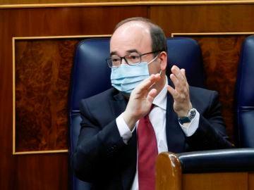 Miquel Iceta, primer ministro en ser vacunado frente al coronavirus