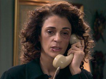 María huye de Beltrán y consigue salir de su encierro