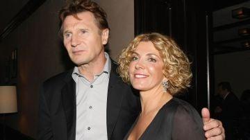 Liam Neeson y su mujer Natasha Richardson
