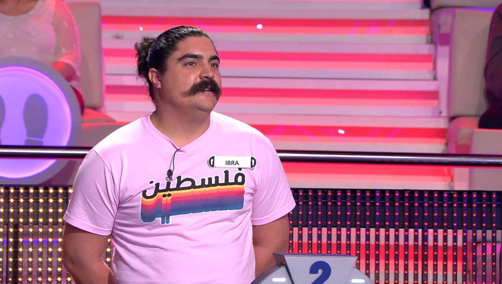 ¡El hombre de las mil caras! Arturo Valls le encuentra parecidos a un concursante en '¡Ahora caigo!'