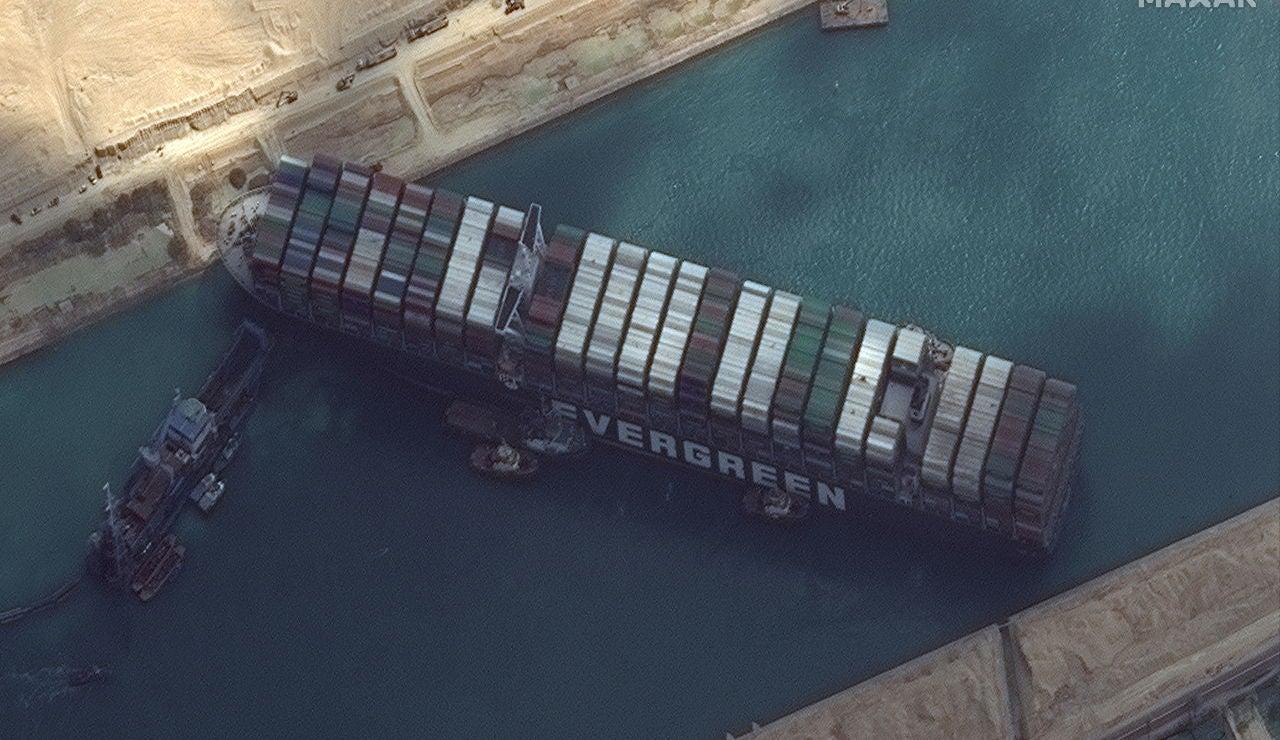 El canal de Suez, bloqueado