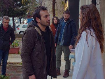 """Candan corta toda relación con Demir y Cemal: """"Me dais asco"""""""