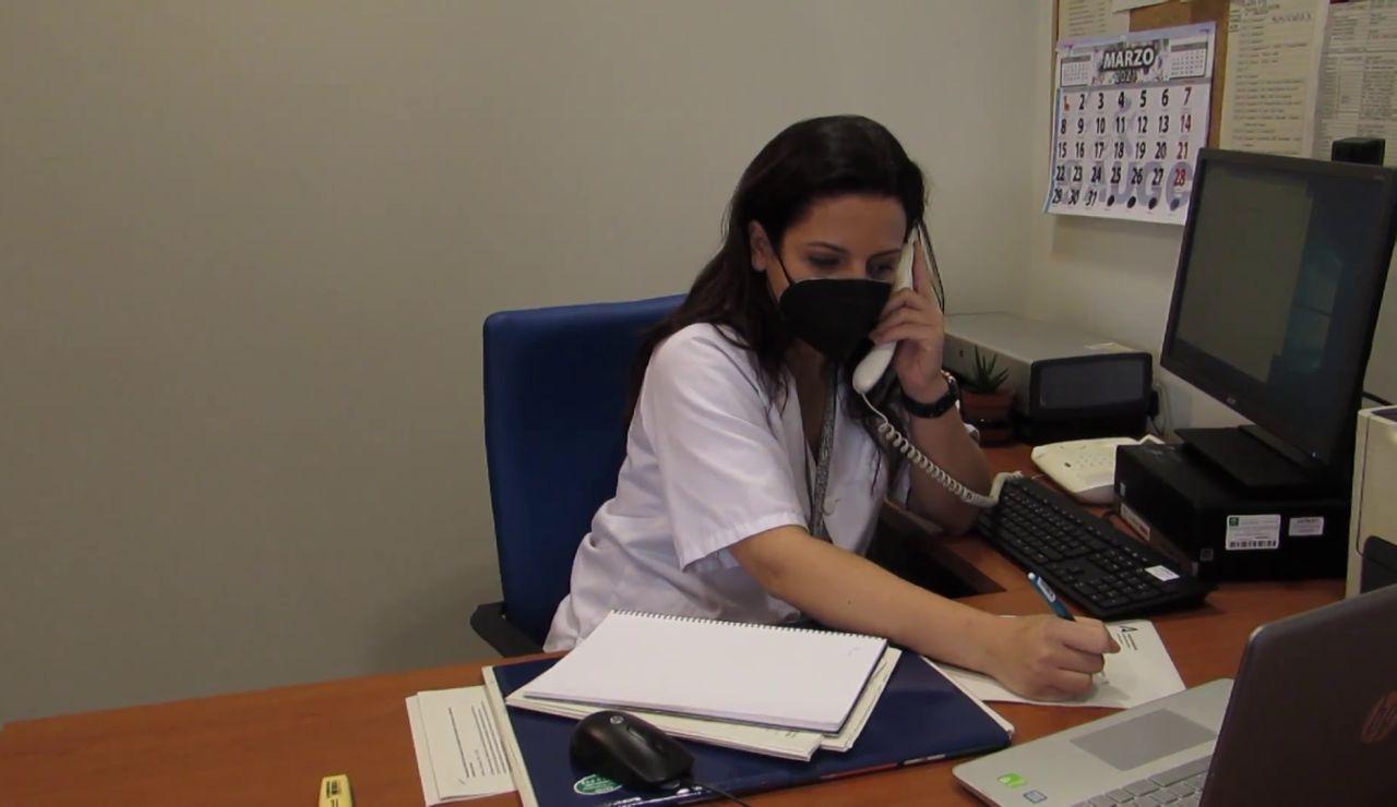 La importante labor de las enfermeras para devolver la confianza en las vacunas contra el coronavirus