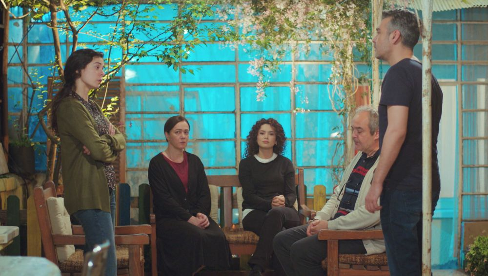 La noche más tensa: Bahar acusa a Sarp de mentir sobre su relación con Sirin