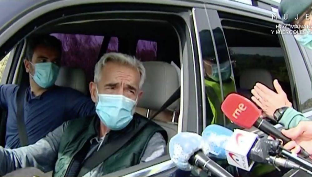 Imanol Arias en un control policial