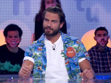 El discreto look de Maxi Iglesias que sorprende a Roberto Leal en 'Pasapalabra'