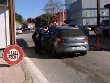 La Policía Nacional detiene a 31 personas por viajar con PCR falsos en La Jonquera, Girona