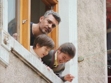 Llega el caos: Bahar y Arif, en shock al descubrir la nueva casa de Sarp