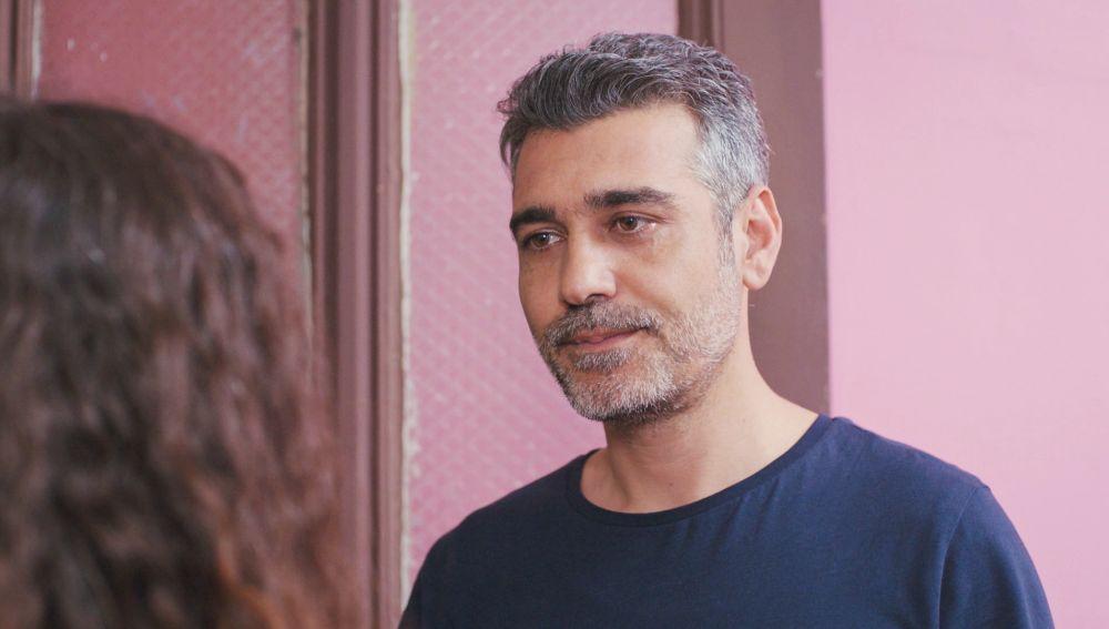 Sarp juega con la ilusión de Nisan y Doruk para recuperar a Bahar